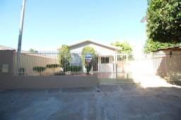 Casa para alugar com 3 dormitórios em Zona v, Umuarama cod:2000
