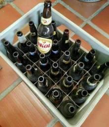 Título do anúncio: Cascos de cerveja e caixa (leiam)