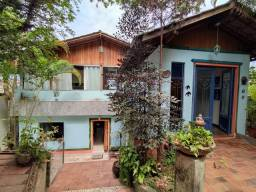 Título do anúncio: Casa à venda, 06 Quartos com suíte, Barreiro/MG