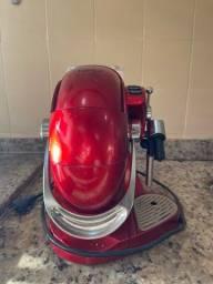 Título do anúncio:  Cafeteira Espresso Gesto Vermelha Automática - TRES 3 Corações
