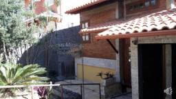 Casa para venda - Cond Alto dos Pinheiros 3 qtos(sendo 1 c/ closet ,varanda) - R$590mil