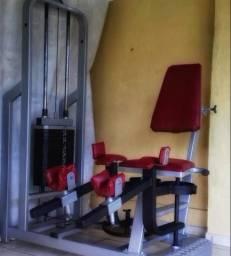 Maquina de Musculação, Adutora e Abdutora. 2 em 1
