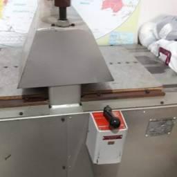 Vendo máquina de corte e vinco