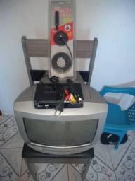 Tv de 14 polegadas Philips com conversor e antena interna HD digital