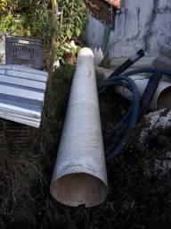 Tubo PVC Esgoto diâmetro 300mm , foi usado como duto de limpeza (R$40 por metro)