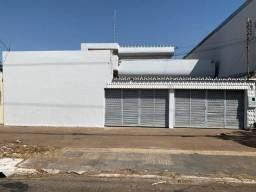 Aluga-se Casa Comercial 360m² Rua 10 Setor Sul Setor Universitáro