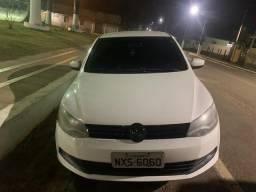 Vendo carro Voyage 2012/2013