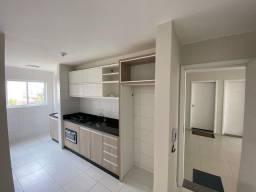 Apartamento 3 dormitórios e 1 suíte, armários, churrasqueira e duas vagas cobertas