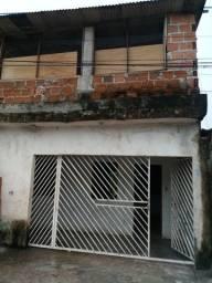 Casa de três quartos de dois andares