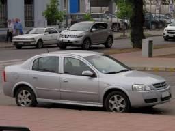 Astra Sedan 2000/1.8 Prata