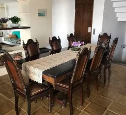 Mesa e cadeiras de imbuia