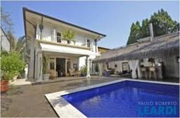 Casa à venda com 5 dormitórios em Jardim europa, São paulo cod:625566