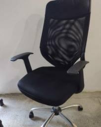 Título do anúncio: Cadeira de escritório do tipo presidente com várias regulagens de ajustes