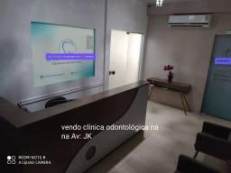 Vendo clínica odontológica