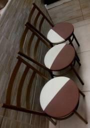 Título do anúncio: 3 cadeiras em metal, bem reforçadas e firmes