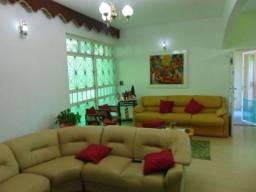 Título do anúncio: Casa à venda, 3 quartos, 1 suíte, 2 vagas, Nova Suíssa - Belo Horizonte/MG