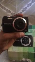 Título do anúncio: Câmera semi nova Samsung