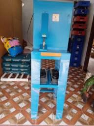 Título do anúncio: Máquina de fabricar sandália.