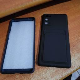 Título do anúncio: Vendo duas capas de celular