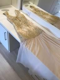 Título do anúncio: Vestido cor clara com renda dourada para festa