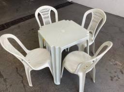 Título do anúncio: Promoção novo jogo de mesa e cadeira nova plástica pra lanchonete no atacado