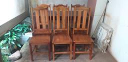 Cadeiras de madeira! Últimas 6 unidades disponíveis.