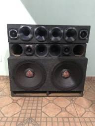 Caixa de som, 2 falantes de 15 1500 rms cada, 6 corneta, 4 twetter