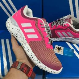 Tênis Adidas Boost
