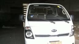 Kia Bongo 2.5 Std 4x2 Rs Turbo C/ Carroceria 3 metros - 2014
