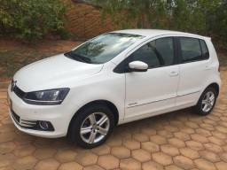 VW/Novof Fox Highline 1.6 Flex Completo - 2016