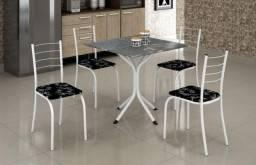 Mesa e 4 cadeiras 100% novo