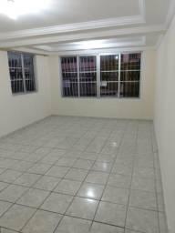 Aluga-se casa no centro de Camaragibe
