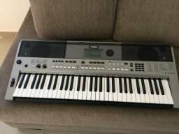 Teclado Yamaha psr 443