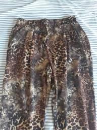 Vende-se calça de oncinha