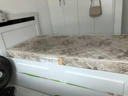 Cama de solteiro com cama auxiliar e 1 colchão