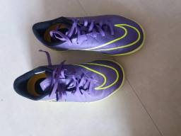 Oportunidade - Chuteira de Futsal Nike Hypervenon, nº 36, pouco usada