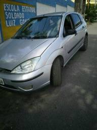 Ford Focus 2004, $ 10.000 mil - 2004