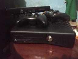 Xbox 360 praticamente novo