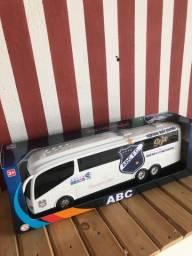 Miniatura do ônibus do ABC