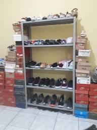Vendo estante com calçados