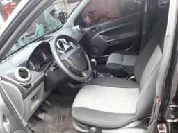 Vendo um Ford Fiesta - 2014