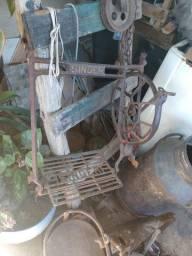 Ferragens máquina de costura antiga para decoração