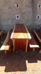 mesas com bancos