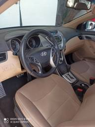 Hyundai Elantra em Perfeito Estado 2012 emplacado até 2021 e sem nada pra fazer