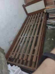 Título do anúncio: Cama de solteiro de madeira