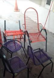 Título do anúncio: Vendo essas cadeiras 50 reais tudo