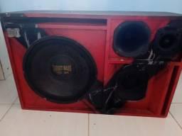 Título do anúncio: Caixa de som muito conservada
