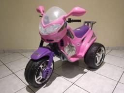 MOTO ELÉTRICA INFANTIL ROSA MAGIC TOYS 6V EM PERFEITO ESTADO. POUQUÍSSIMO USO.<br>