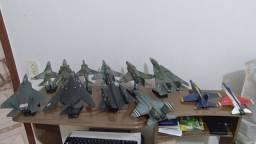 Aviões miniaturas