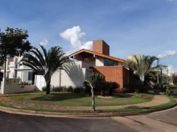 Título do anúncio: Casa de condomínio para venda com 260 metros quadrados com 4 quartos
